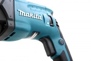 makita-hr2470ft-7-300x200 Avis perforateur MaKita HR2470FT test