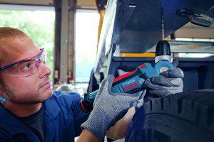 Bosch-Perceuse-dangle-sans-fil-GWB-108-LI-2-300x200 Avis Bosch Perceuse d'angle GWB 10,8 LI test comparatif