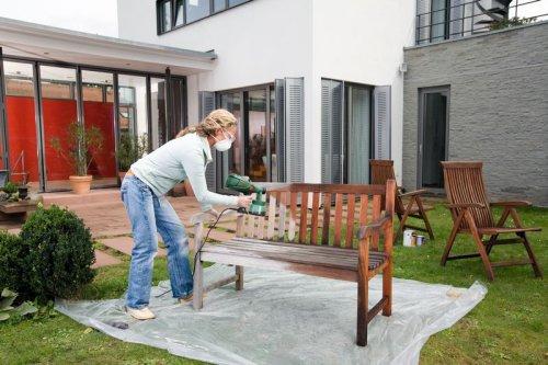 bosch pistolet de peinture pour bois et lasures easy pfs 55 2 outils et bricolage. Black Bedroom Furniture Sets. Home Design Ideas