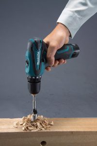makita-perceuse-df330dwj-2